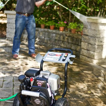 SIMPSON Cleaning MSH3125-S Pressure Washer in the Garden